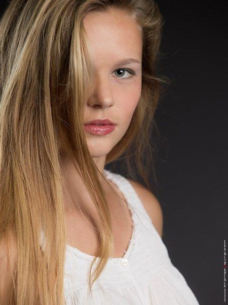 Elise_Ashford4