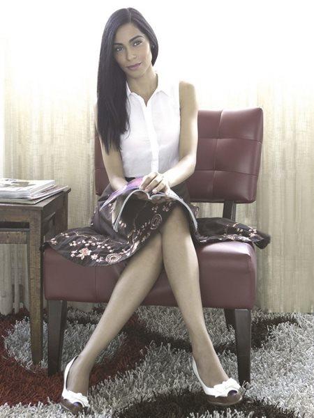 Mari_White3